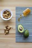 Avocado's, noten, complexe omega-3 Stock Foto