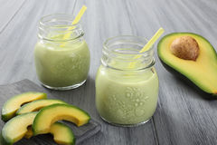Avocado smoothie stock afbeelding