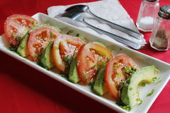 Avocado/Tomatensaladevoorgerecht Royalty-vrije Stock Foto's