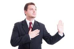 Avocat faisant le serment ou jurant le geste photographie stock libre de droits
