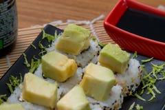 Avocato-Rollen-Japan-Lebensmittel Lizenzfreies Stockfoto