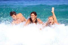 Avoir l'amusement en mer Photo libre de droits