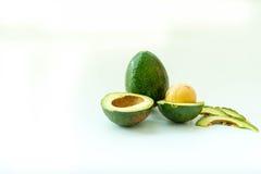avokado klippt ny hälft Royaltyfri Bild