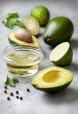 Avokado och grönsaker royaltyfria bilder