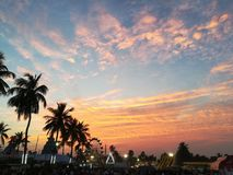 Avond, oranje hemel, festival, landschap Royalty-vrije Stock Foto's