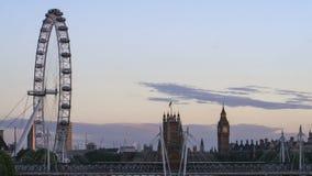 Avond tijd-tijdspanne, het oog van Londen, Big Ben stock footage