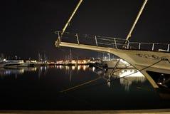 Avonddijk met bezinning in Porto Montenegro Stock Afbeelding