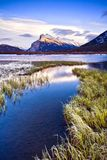 Avondlicht bij Vermillion Meren, Banff, Canada royalty-vrije stock foto's