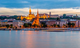 Avondmening bij het Buda-kwart in Boedapest Stock Afbeelding