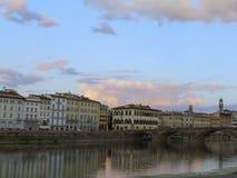 Avondmening van de mooie stad royalty-vrije stock foto