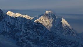 Avondscène in het Nationale Park van Everest Stock Afbeeldingen