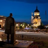 Avram Iancu and Lucian Blaga statues, Cluj-Napoca. The statues of Lucian Blaga and Avram Iancu exchanging views, in Avram Iancu Square, Cluj-Napoca, Romania stock photos