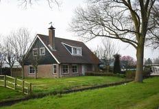 6 avril 2019, Amstelveen, Pays-Bas Beaux maison et jardin à Amstelveen, une petite ville aux Pays-Bas image libre de droits
