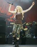 Avril Lavigne Performs i konsert royaltyfria bilder