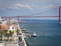 25 avril pont à Lisbonne, Portugal Image libre de droits