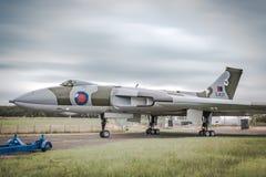 Avro Vulcan XJ823 pod ciężkimi niebami podczas elektrycznej burzy zdjęcia royalty free