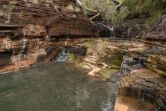 Avskild vattenfall i nationalpark Royaltyfria Foton