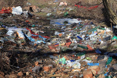 Avskrädeförrådsplats i naturen Royaltyfri Bild