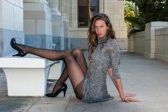 Avslöjande långa ben Fotografering för Bildbyråer