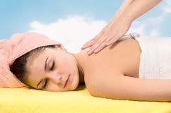 avslappnande brunnsort för massage Arkivbild