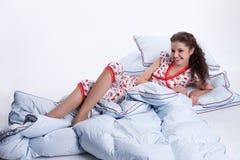 avslappnande kvinnabarn Royaltyfria Bilder
