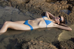 avslappnande vattenkvinna Arkivbilder