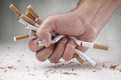 avslutning av rökning royaltyfri fotografi