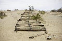 Avsnitt av den historiska plankavägen nära Yuma arkivbilder