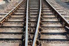 Avsnitt av den parallella railtracken. Arkivbilder