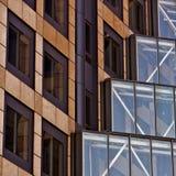 avstånd för skyskrapa för affärsstadskontor Arkivbilder