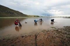 Avventura Biking della montagna Fotografie Stock Libere da Diritti