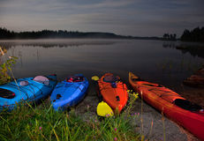Avventura di kayak alla notte Fotografie Stock Libere da Diritti