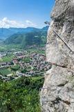 Avventura rampicante nelle montagne italiane Fotografia Stock