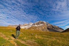 Avventure nelle alpi nella stagione di autunno Immagini Stock Libere da Diritti