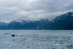 Avvicinamento del ghiacciaio di Hubbard nell'Alaska fotografie stock