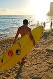 Avvicinandosi alla spuma a Waikiki Fotografia Stock Libera da Diritti