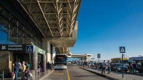 Avvikelse och ankomst för Milan flygplatsterminal arkivfoto