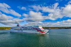 Avvikelser för prinsessa för färjaskepp baltiska från Mariehamn Royaltyfria Foton