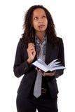 Avvocato dell'afroamericano che tiene un libro Immagini Stock