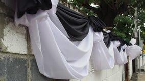 Avvolga il salto e nero parete decorata del panno bianco archivi video