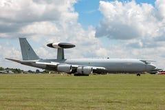 AWACS van de de Schildwachtvroegtijdige waarschuwing van Royal Air Force RAF Boeing E-3D vliegtuigen In de lucht ZH101 bij Royal  Stock Foto