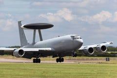 AWACS van de de Schildwachtvroegtijdige waarschuwing van Royal Air Force RAF Boeing E-3D vliegtuigen In de lucht ZH101 bij Royal  Stock Afbeeldingen