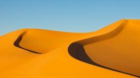 awbari沙丘利比亚撒哈拉大沙漠沙子海运 免版税库存图片