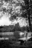 Ławka jezioro Obrazy Royalty Free