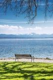 Ławka na Jeziornym Starnberg Niemcy Zdjęcia Stock