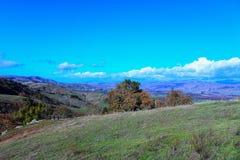 Ławka przegapia Krzemowa Dolina CA widok Fotografia Royalty Free