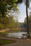 Ławka w miasto parku w Hanoi Zdjęcia Royalty Free