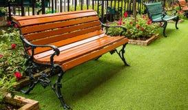 Ławka w ogródzie Fotografia Royalty Free