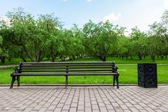 Ławka w parku Zdjęcia Stock