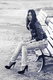 ławki azjatykcia kobieta Zdjęcie Royalty Free